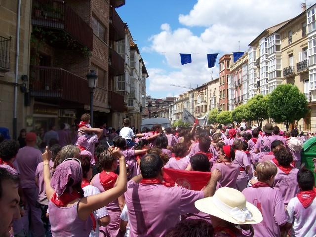 """BungalowsClub presenta las """"batallas"""" más divertidas del verano"""