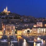 Preciosa vista de Marsella de noche