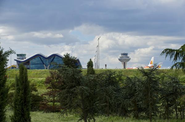 Exterior aeropuerto de Madrid Marajas Adolfo Suarez