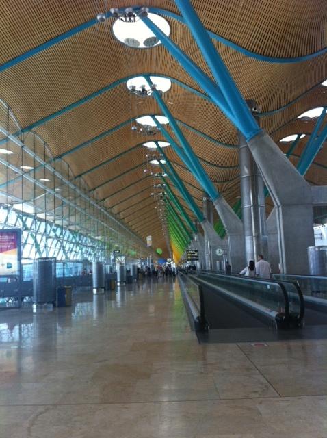 Las visitas guiadas al Aeropuerto de Madrid atraen a 6.422 personas en 2015