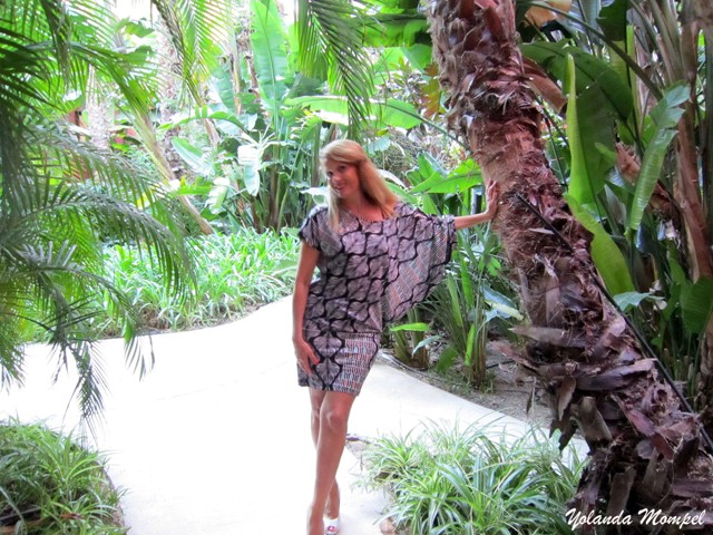 Yolanda Mompel estuvo en Benidorm, Hotel Asia Garden