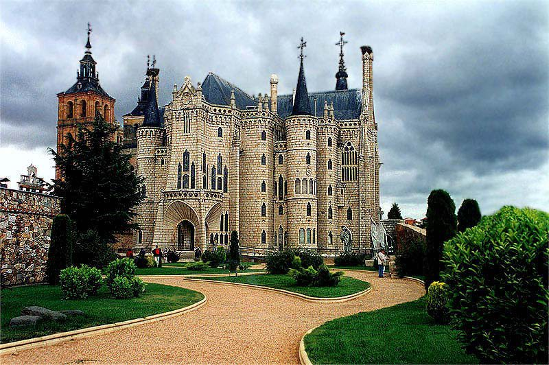 Foto-enigma: Palacio Episcopal de Astorga, de Gaudí.