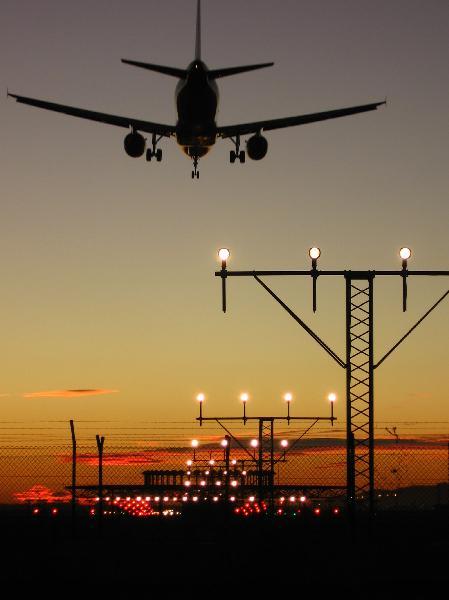 El Aeropuerto de Sevilla lanza una tarifa especial de verano