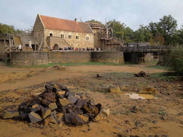 Castillo Gedelon en proceso de reconstrucción.