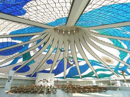 Foto enigma: La Catedral de Brasilia