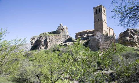 Colomera, iglesia y castillo