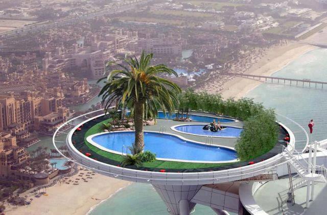 Foto-enigma ¿Donde se encuentra semejante piscina?