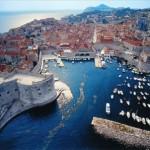 Dubrovnik, bella de día, inolvidable de noche