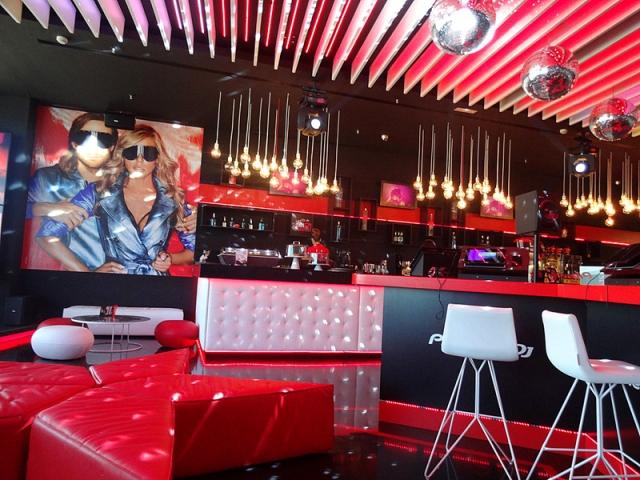 Ibiza, una discoteca en un…aeropuerto