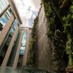 El Hotel Mercure Santo Domingo con el Jardín Colgante, el más grande de España