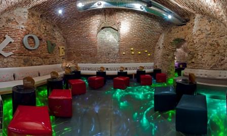 Las Cuevas del Sandó, el lugar de moda en Madrid