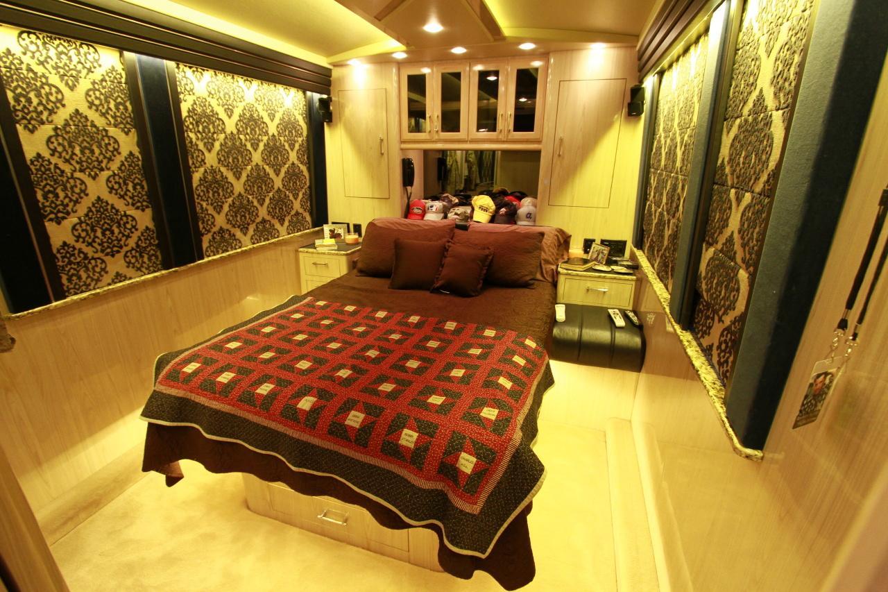 Interior de la caravana de Rodney Atkins.