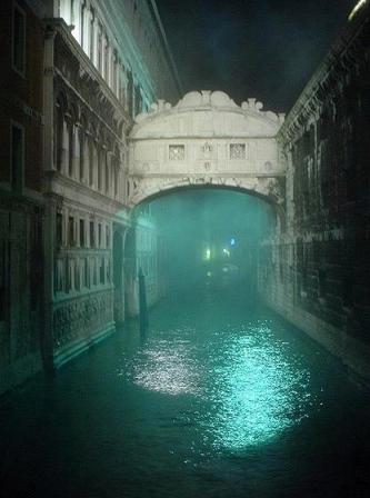 Foto-enigma:Puente de los suspiros, Venecia