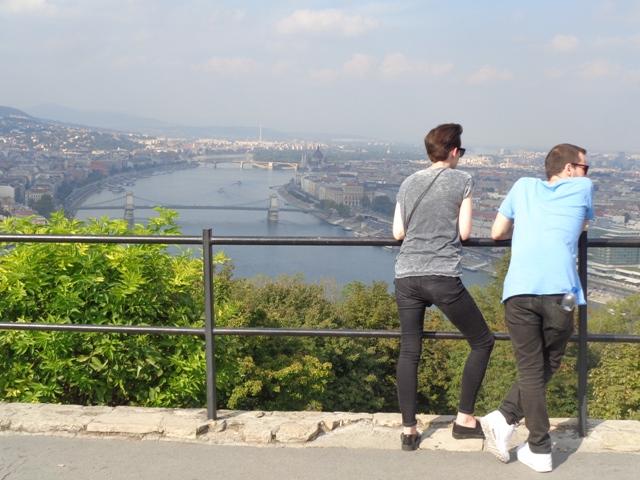 El Danubio siempre progonista de cualquier paseo por Budapest.
